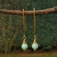 gouden oorbellen met amazoniet